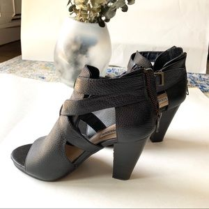 Steve Madden Spring Leather Chunky Heels size 6